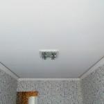 Недорогой натяжной потолок