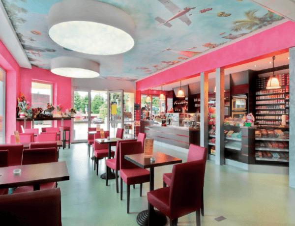 Натяжной потолок в кафе