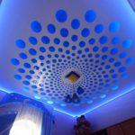 Перфорированныц натяжной потолок со светодиодной лентой